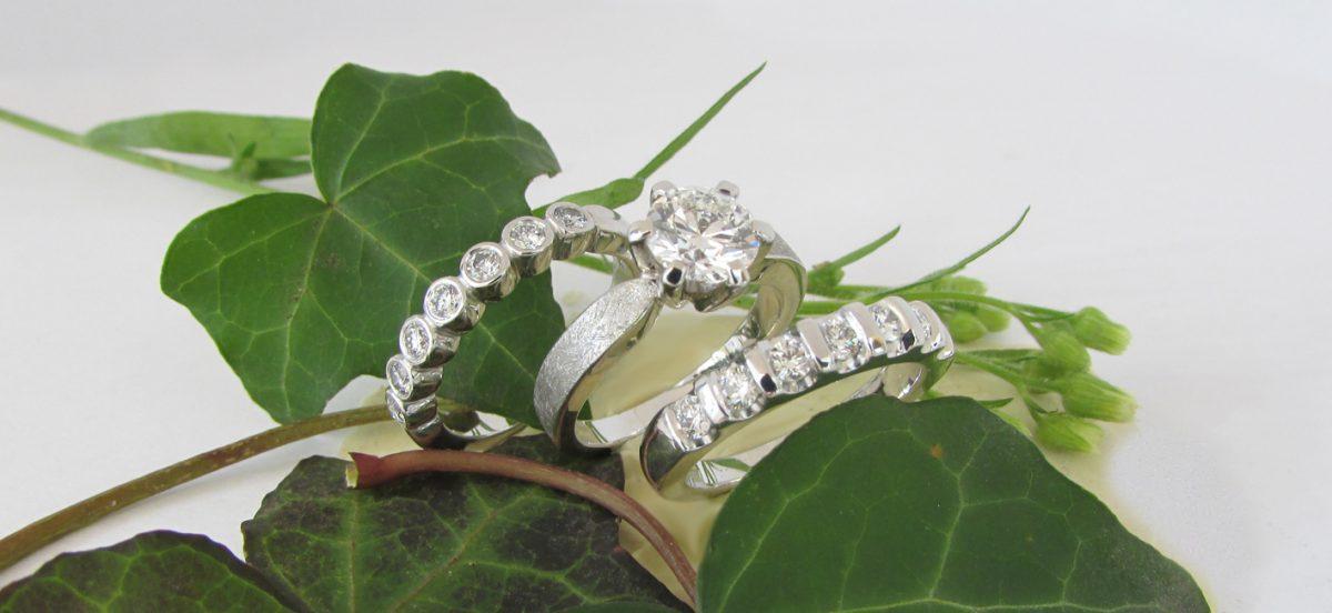 anelli adamas oro bianco con brillanti