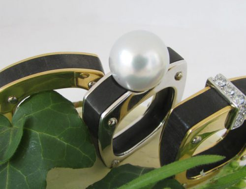 Rings in yellow and whitegold with ebony