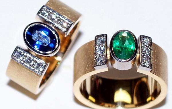 anelli con zaffiro o smeraldo adamas