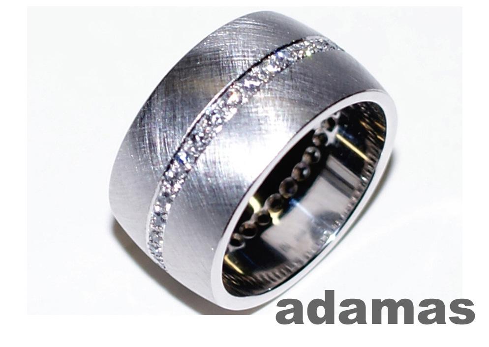 anello con brillanti adamas