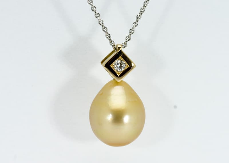 Ciondolo-con-perla-adamas-Locarno-4478