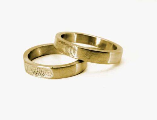 Anello con impronte – oro giallo